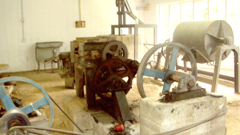 Rusting machinery at the Common Facilitation Centre of the Thiththawella pottery village. Picture by M. A. R. Manukulasooriya.