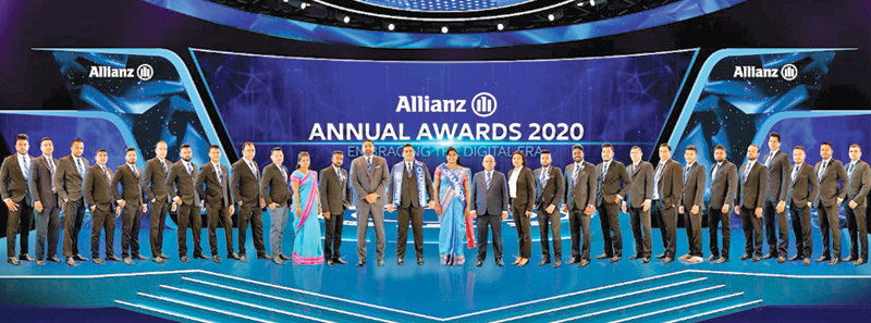 Theaward winners with Gany Subramaniam, Director and Chief Executive Officer, Allianz Insurance Lanka Limited and Jayalal Hewawasam, Chief Executive Officer, Allianz Life Insurance Lanka Limited