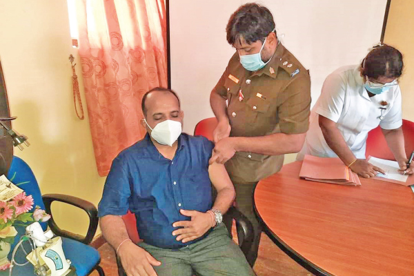 Batticaloa District COVID-19 Vaccination Programme was launched in the MOH office, Batticaloa on January 30.  (Picture by Sivam Packiyanathan - Batticaloa District Corr.)