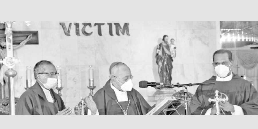 Colombo Archbishop Malcolm Cardinal Ranjith conducting Holy Mass. Pictures by Roshan Pitipana.