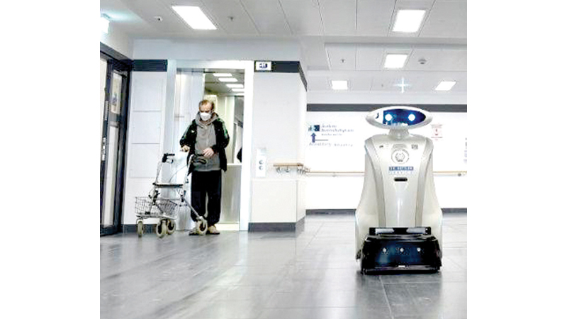 Cleaning robot 'Franzi' (R)
