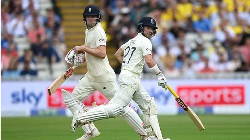 Rory Burns and Dom Sibley run between wickets