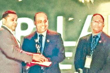 Jagath Dissanayake, Managing Director and Chief Executive of Group of Pentium, receiving the award.