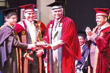 ACL - Jehan Kavindra Perera receives Best Performance Award for BSc Engineering (Hons) in Electrical and Electronic Engineering