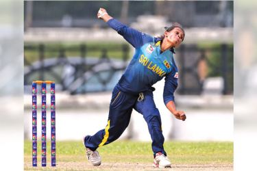 Sri Lanka Women's bowler Nilakshi de Silva took three Malaysian wickets to take the Player of the match award.