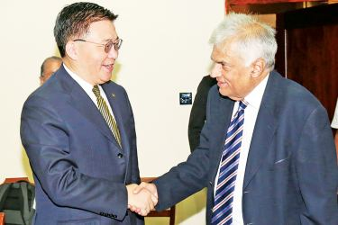 Prime Minister Ranil Wickremesinghe receiving  Chinese Vice Minister Guo Yezhou.