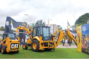 CAT 426F2 backhoe loader with the extra dig feature