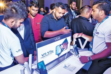 At the launch. Pictures by Chaminda Niroshana.