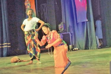 'Jasaya and Lenchina' being performed by two students