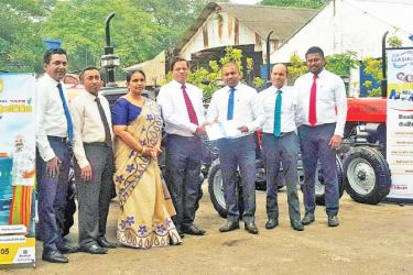 SDB bank's Leasing Product Manager V. Ranjeev Beadle, Leasing Assessment Divisional Head W.V.P.A Samantha, Head of Business Delrene Seneviratne, General Manager and CEO Nimal C. Hapuarachchi, Browns and  Company General Manager Sanjaya Nissanka, DGM Niyas Ahamed and Business Development Manager Chanaka Chandrasekara.