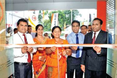 Ayodhya Iddawela Deputy General Manager Corporate Banking, Deepal De Silva Assistant General Manager Branch Banking, Mrs. Kumari Jayasuriya Chief Manager Branch Banking,  Madhupriya Dissanayake Senior Regional Manager and Darshana Senaratna Manager Ruwanwella Branch at the inauguration.