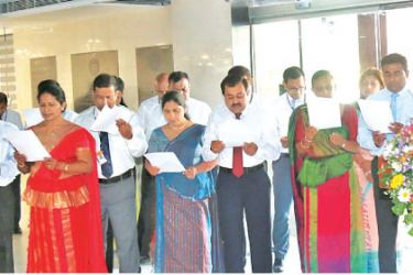 The staff taking the Government Service Oath under the patronage of the Chief Executive Officer/General Manager, N. Vasantha Kumar
