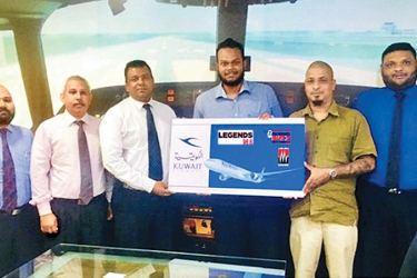 Country Manager for Kuwait Airways in Sri Lanka and Maldives, Sudesh Rupasinghe handing over the sponsorship to the members of the 'The Morning Buzz' team