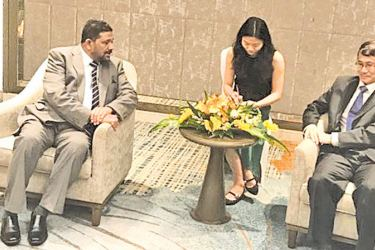Western Province Governor Azath Salley and Vice Governor of Hainan Province Danyang Shen at discussions.