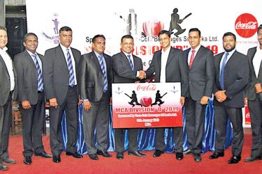 Handing over of sponsorship (From left) : Alistair Senn - Key Account Manager, Coca-Cola, Sanjaya Wijesinghe – Committee Member – MCA; Rohana Dissanayake – Vice President, MCA; Mahesh De Alwis – General Secretary, MCA; Roshan Iddamalgoda – President, MCA; Mario Perera – Country Marketing Manager, Coca-Cola ; Malinda Siriwardena – Trade Marketing Manager, Coca-Cola; Harthono Sinhawansa – Head of Key Accounts, Coca-Cola and Modern Trade, Shazni Irshan – Assistant Manager Channel Development, Coca-Cola.