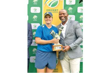 South Africa's Dané van Niekerk with her Player of the Series award.