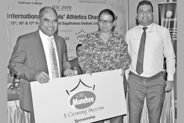 Ms. Surani Sahabandu – General Manager of Ceylon Biscuits Ltd is handing over the sponsorship cheque to Dr. Harsha Alles, Chairman of ISAC 2019 and the Chairman of Gateway College. Marketing Manager of Ceylon Biscuits Ltd Romesh Jayathilake is also in the picture (right). Picture by Ranjith Asanka
