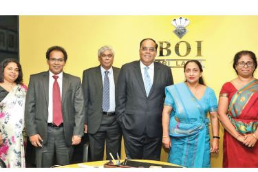 Hutchison Telecommunications Lanka and BOI officials at the agreement signing event