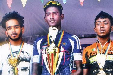 Winners of Under 23 cycle race.  Picture by Joseph Pius – Wattala Special Correspondent