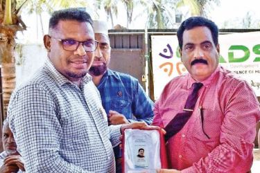 S.Niyas being honoured with a memento