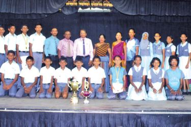 Overall (Best) sports champions for 2019 in the Panadura Division Lyceum International School, Panadura with Educational officers of Kalutara Zonal Education Office and Panadura divisional Education Office.    (Picture by Kalutara Central Special Corr. H. L. Sunil Shantha)