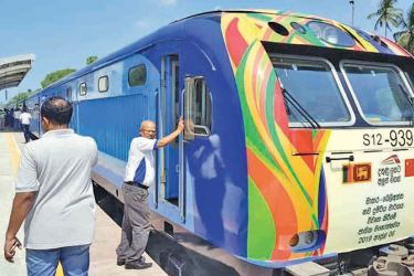 A test run to the Beliatte station. Picture by SriLanka Railway Fan Club Association.