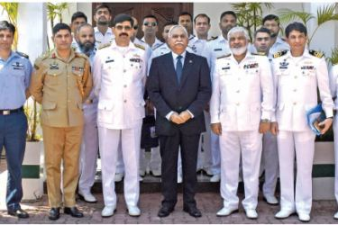 The delegation from the Pakistan Navy War College with Pakistan High Commissioner Major General (R) Dr. Shahid Ahmad Hashmat, in Colombo yesterday.