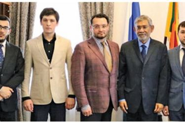Sri Lankan Ambassador in Moscow Dr. Dayan Jayatilleka with the delegation.