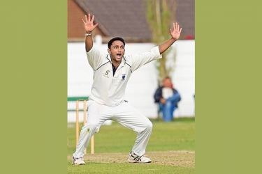 Kaushalya Weeraratne of Tinity College who won the Observed Cricketer of the Year in year 2000.