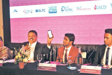 Malraj Balapitiya, CEO of SLT muve and CEO of SLT Digital Info Services (Pvt) Ltd. introducing the SLT muve app. Picture by Sudath Nissantha