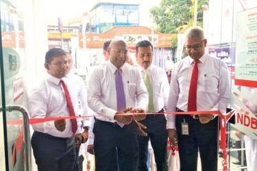 NDB Director and Group CEO Dimantha Seneviratne and Senior Vice President Personal Banking and Branch Network Management Sanjaya Perera ceremoniously opening the Relocated Piliyandala Branch