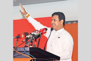 Acting Industry and Commerce Minister Buddhika Pathirana speaks at a VTA event.