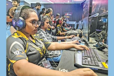 Action from the SLT eSports Women's Cyber Games.