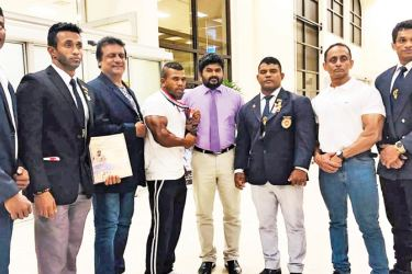 The Sri Lanka bodybuilding team being welcomed by Tilak Jayaweera  on their return from China.