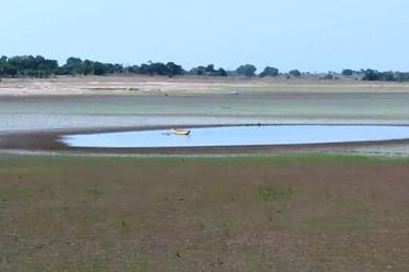 A tank affected by drought in the Ampara district.  Picture by I.L.M.RIZAN, Addalaichenai Central Correspondent