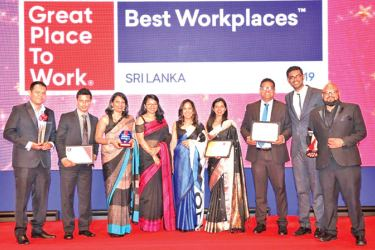 The 99X Technology team at the end of yet another triumphant evening at the Best Workplaces 2019 awards ceremony.