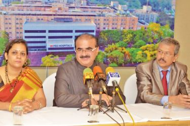 Managing Trustee, PSG Institutions L. Gopalakrishnan and PSG hospital officials in Colombo