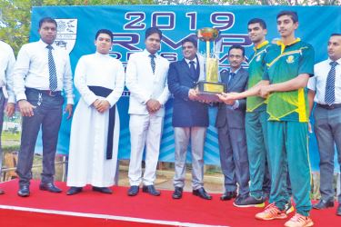 St. Sebastian's College, Moratuwa and Visakha Vidyalaya, Colombo emerged overall champions in the 15th R.M.P.de Silva Memorial Inter-schools Age Category Swimming Championship worked off at the Dharmashoka College swimming complex recently. Sebs accumulated 473 points while Visakhians earned 373 points to reign supreme at the meet. The event was organized by the Sports Foundation and 917 swimmers from 62 schools participated. Age category events for boys and girls (U-9, U-11, U-13, U-15, U-17 and U-19