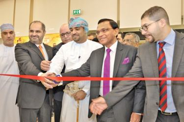 Sri Lanka's Ambassador to the Sultanate of Oman Omar Lebbe Ameer Ajwad together with the Guest of Honour, Ali bin Hamdan al Ajmi, member of Board of Directors of the Oman Chamber of Commerce and Industry (OCCI) and Carrefour Country Manager Najib Haddad opening the Sri Lanka Week Carrefour Hyper market at the Muscat City Centre on October 2.