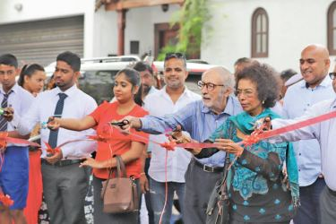 M.D. Anushal Dhilanja, a schoolboy; Supun Rangana Abeywickrama, a Project Engineer; Sewwandi Nawarathne, a mother and housewife; Terry and Lilamani Dias Benson, Founders of Lowe LDB and Trevine Fernandopulle, a retired Senior Executive cutting the ribbon to declare open MullenLowe's sister agency LoweLintas