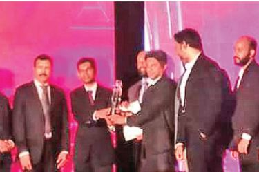 ITX360 team with the award
