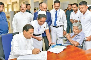 President Maithripala Sirisena at the General Hospital in Polonnaruwa. Picture by President's Media Division