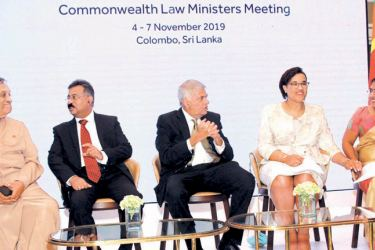 Speaker Karu Jayasuriya, Chief Justice Jayantha Jayasuriya PC, Prime Minister Ranil Wickremesinghe, Justice Minister Thalatha Athukorala and Commonwealth Secretary General Patricia Scotland QC at the event. Picture by Sulochana Gamage