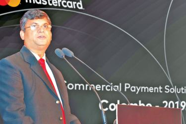 R. B. Santosh Kumar, Country Manager Sri Lanka and the Maldives for Mastercard, addresses the gathering.