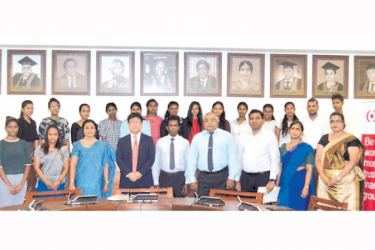 Officials of MUFG Colombo Representative Office, University of Colombo staff and Scholars