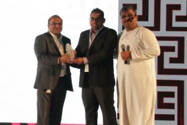Ganganath Ratnaike (Assistant Manager – Unified Communication) receives the award on behalf of KBSL