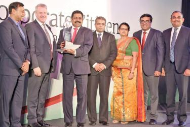 Commercial Bank's Managing Director, S. Renganathan, Deputy General Manager – Personal Banking, Sandra Walgama, Deputy General Manager – Human Resource Management, Isuru Tillakawardana and Deputy General Manager, Marketing, Hasrath Munasinghe with the presenters of the Best Corporate Citizen first Runner-up award.