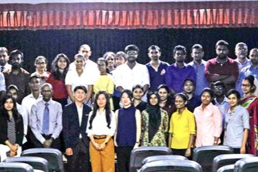 Participantsof theERASMUS+ workshop in Colombo along with expert trainersand EU Delegation staff
