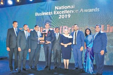 Receipt of Bronze Award for Overall Winners for 2019 by Aelian Gunawardene – Managing Director, Nishal Ferdinando – CEO, Wasantha Gunaratne – Director Sales and Technical-South Asia, Richard Gunawardene – Head of Strategic Planning and Nayantha Delpachitra – Head of Legal