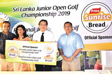 The General Manager of Ceylon Agro Industries (Prima Group) Shun Tien Shing handing over the sponsorship cheque To Mrs. Niloo Jayatilake, Chairperson  of the Junior Sub Committee RCGC while on (extreme left) Shiran Fernando, Captain of Royal Colombo Golf Club  and on (extreme right) Sajith Gunaratne-Deputy General Manager  of Ceylon Agro Industries are also in the picture. Picture by Herbert Perera